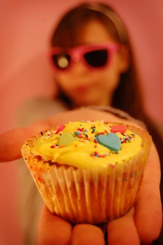 give a cupcake
